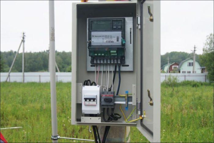 elektroschetchik s distancionnym snjatiem pokazanij na stolbe 6039c25