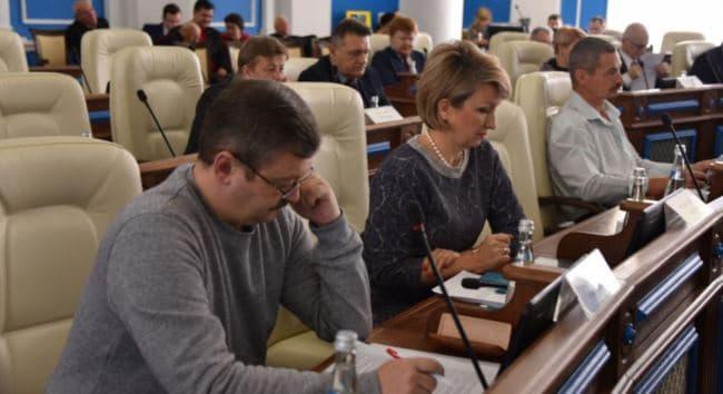 oficialnyj razmer zarplaty deputata gosdumy rf v mesjac v 2018 godu skolko poluchajut v sovete federacii i gorodskih sobranijah 3a45c56