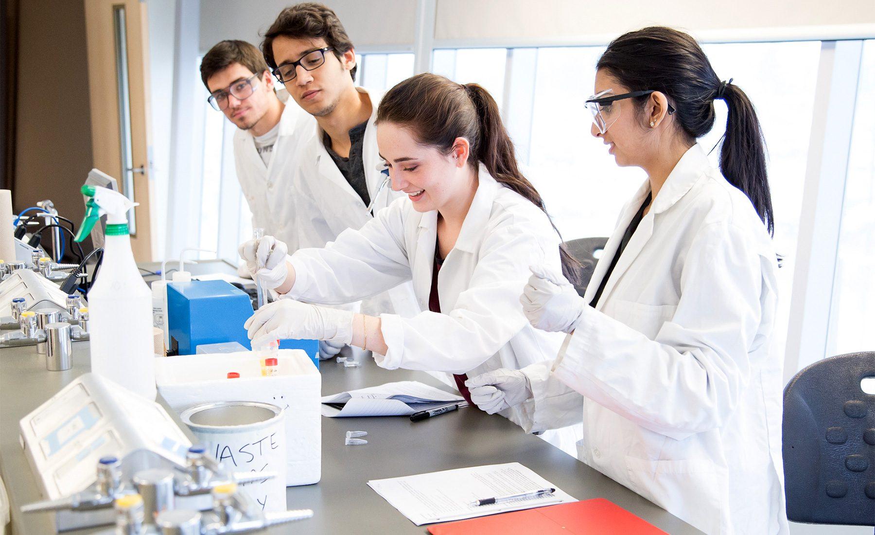 Students Lab 1800x1100 1800x1100 1
